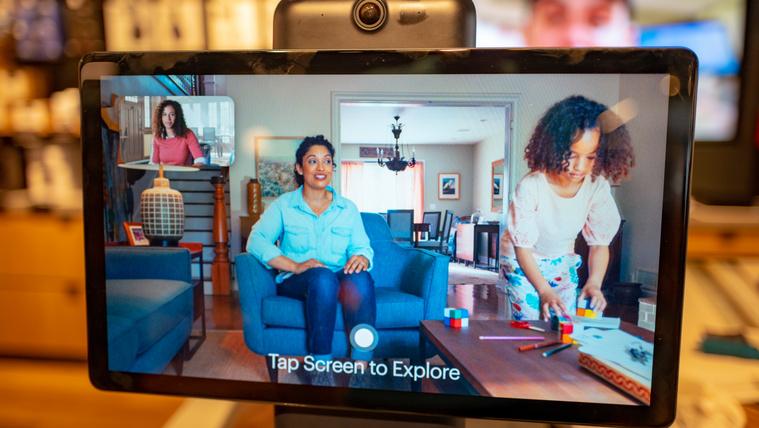 Tévézés közben is megfigyelne minket a Facebook