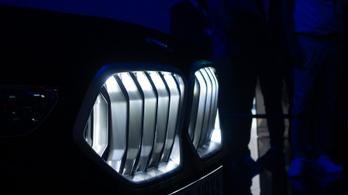 A BMW új szintre emeli a sötétséget