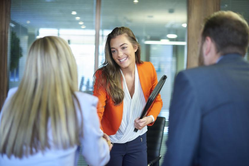A legfontosabb illemszabályok, ha új munkahelyen kezdesz - Már az első napon antipatikusnak tűnsz, ha nem figyelsz rájuk