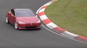 Nagyon úgy tűnik, hogy a Tesla máris elverte a Porschét a Nordschleifén