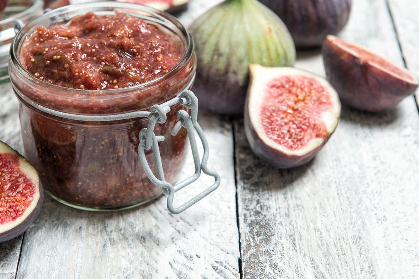 Hagymás, fügés szilvachutney: egyszerre édes, savanykás és fűszeres