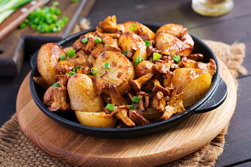 Gombás serpenyős krumpli: köretnek és egytálételnek is kiváló