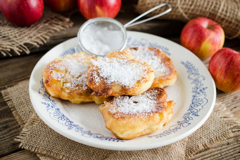Régimódi fahéjas almakarika palacsintabundában sütve: mérd ki bögrével a tészta hozzávalóit