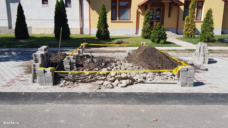 A Cserkeszőlőn található Ady Endre utcai parkoló szerdán