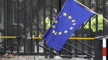 Az EP feltételekkel halasztaná a brexitet
