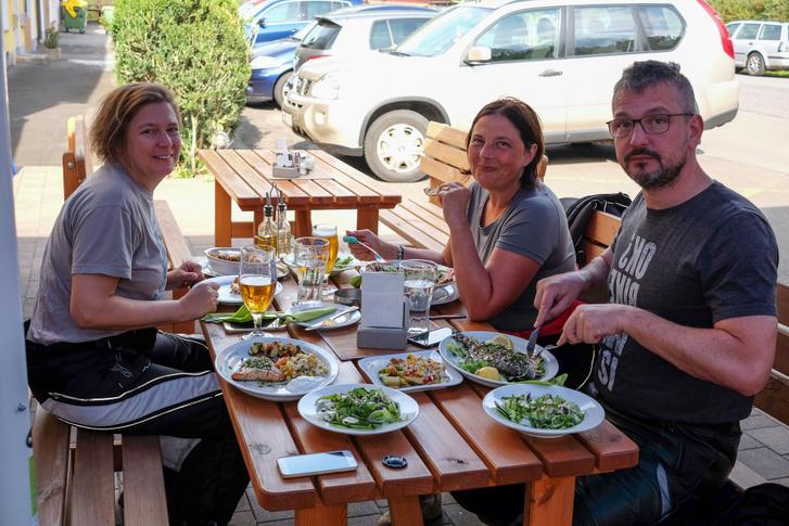 Csoda volt a görög étterem, bár félévnyi fokhagymaadagomat befaltam