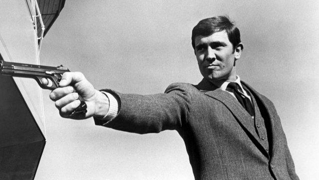 A 007-es szabvány - Bond színeváltozásai