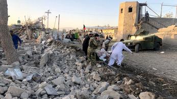 Újabb súlyos pokolgépes támadás Afganisztánban: 20 halott, 90 sérült