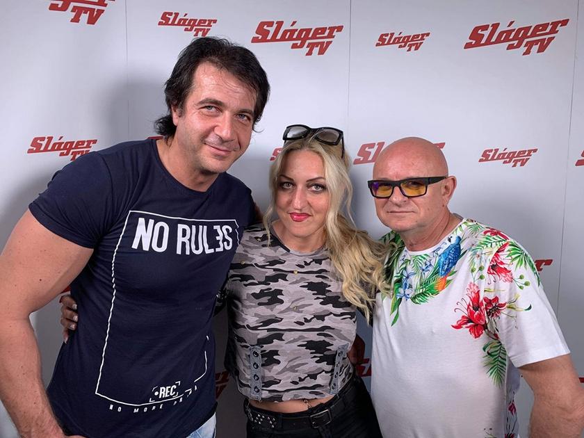 Knapik Tamás a Fiesta háttértáncosával és a Sláger TV műsorvezetőjével.