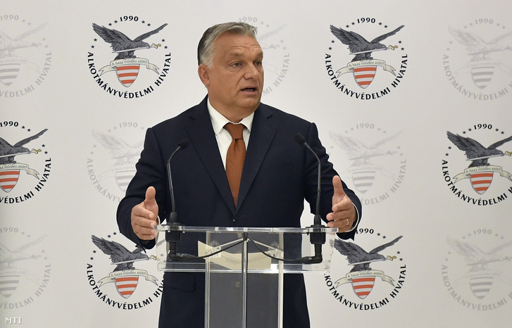 Orbán Viktor miniszterelnök beszédet mond az Alkotmányvédelmi Hivatal új székházának átadásán
