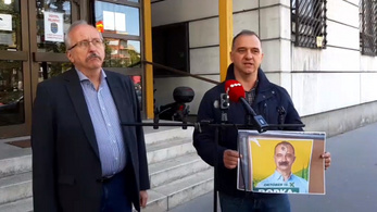 Felakasztott Dávid-csillaggal rongálták meg az ellenzék belvárosi plakátját, feljelentést tettek
