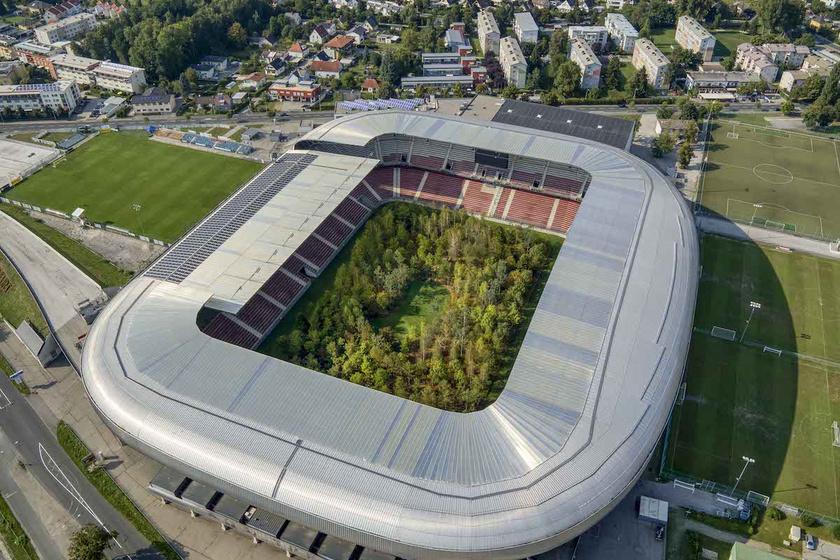 Valami egész más lett a 30 ezer férőhelyes stadionból: képeken mutatjuk