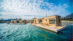 Költöznél? Inspirálódj a legmenőbb úszó házakból!