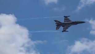 Életben vannak a lezuhant belga F–16-os pilótái