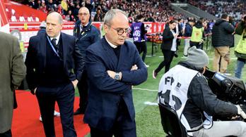 Lúzer fociedzőből lett az igazolások pápája