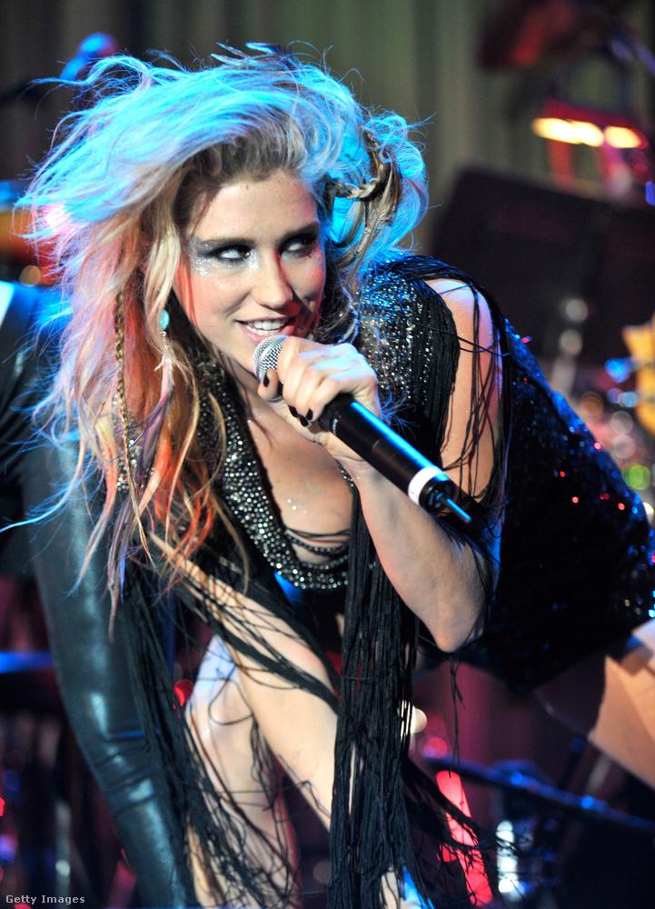 2010 volt az az év, amikor Kesha berobbant a köztudatba, és Tik Tok című dala kapcsán egy ideig úgy nézett ki, hogy ő lesz a következő Lady Gaga