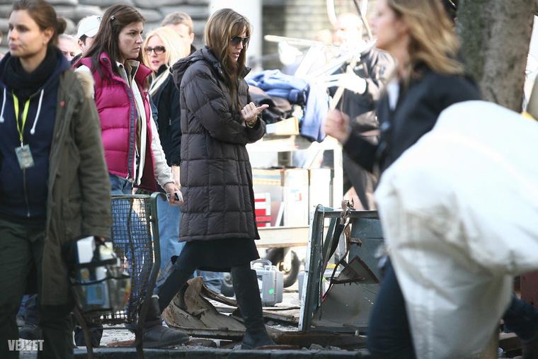 Szintén 2010-ben volt, hogy Angelina Jolie Budapesten forgatott (úgy látszik, ez az év a női rendezők éve volt), ezt a fotót a Rózsák terén készítettük róla.