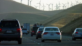 Kalifornia nem hagyja magát: perre mennek az egységes kibocsátási norma ellen