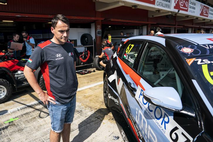 Michelisz Norbert a helyszínen segíti csapatát, a M1RA-t a TCR Európa-kupában