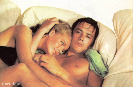 """""""A medence""""  - az 1969-ben készült filmben is Alain Delon volt a partnere. Illetve Maurice Ronet, hiszen az ő szerelmi háromszögüket mutatja be az alkotás"""