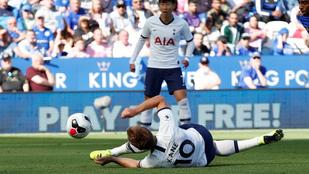 Hihetetlen mozdulattal, estében lőtt gólt Kane