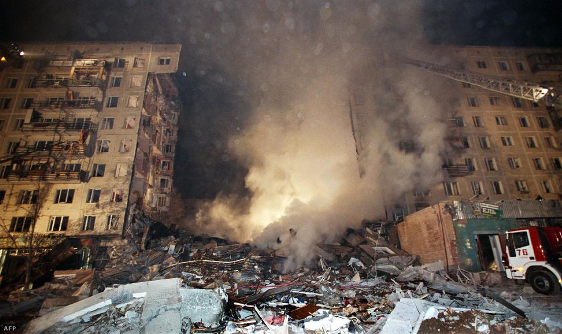 Az 1999. szeptember 8-án éjjel felrobbantott moszkvai panelház romjai
