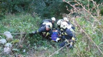 12 méteres szakadékba zuhant egy idős férfi Salgótarjánban, alpinisták mentették ki
