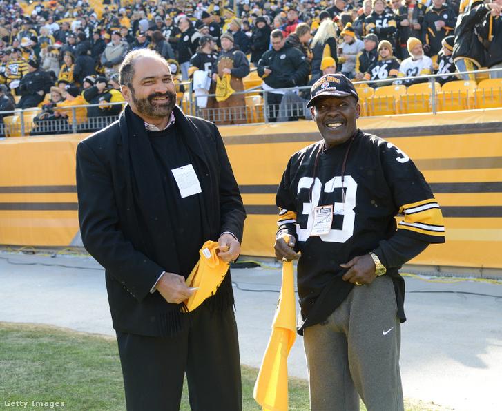 Franco Harris (b) és John Fuqua (j) 2012. december 23-án, az Immaculate Reception 40. évfordulóján a Pittsburgh Steelers mérkőzésén
