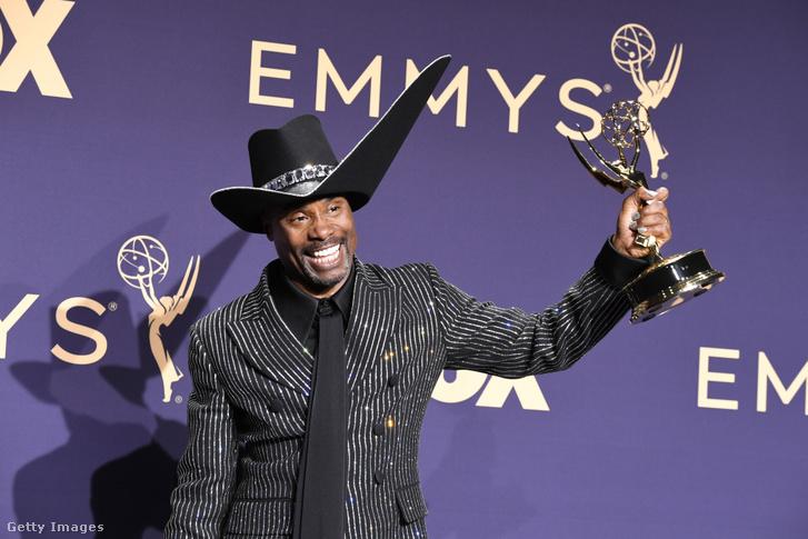 Billy Porter, az Emmy-díj történetének első, nyíltan meleg, fekete férfi nyertese.
