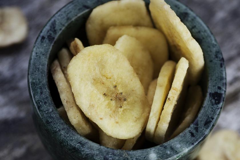 Ropogós banánchips: nem éppen diétás, de egészséges nassolnivaló