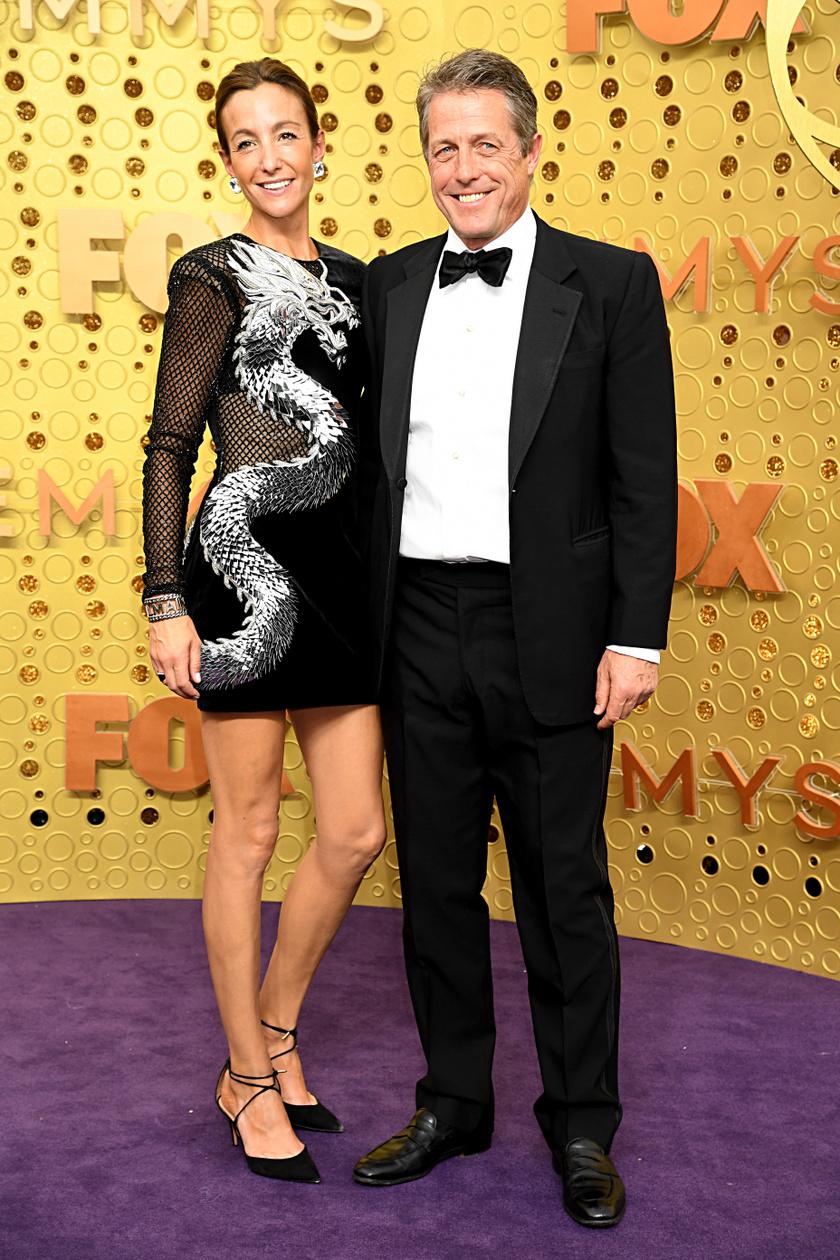 Hugh Grant és 19 évvel fiatalabb felesége, Anna Elisabet Eberstein voltak az idei Emmy-gála egyik legcukibb sztárpárja.