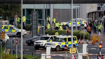 Gyanús csomag miatt evakuálták a Manchester Airport vasútállomását