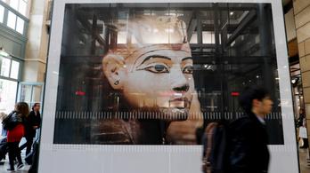 Látogatói rekordot döntött a párizsi Tutanhamon-kiállítás