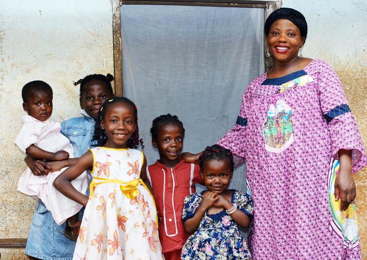 Afrika számos közösségében a nagy család és a sok gyerek magasabb státuszt jelent
