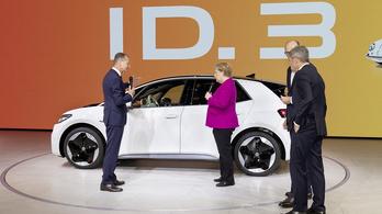 Benzinár-emelésből lesz villanyautó-támogatás Németországban