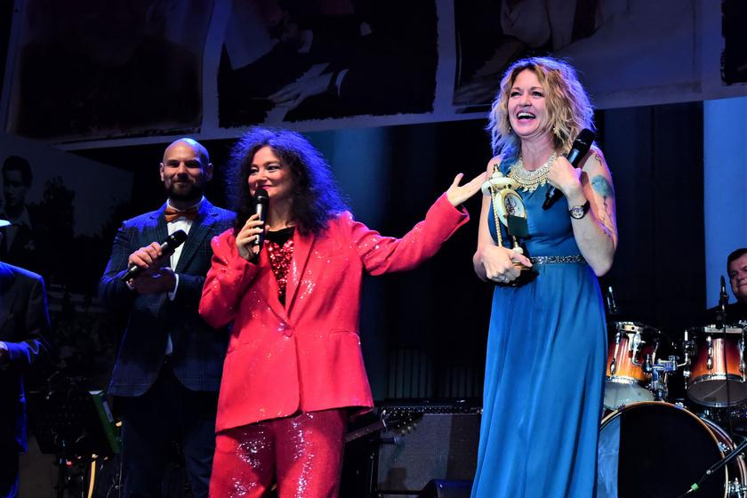 Koós Réka nyerte el a Szenes Iván feleségéről, Kornay Marianne színésznőről elnevezett díjat, amit a könnyűzenei műfajban remekelő nőknek ítélnek oda.