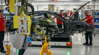 Az egész autóipart megfojtja az acélhiány