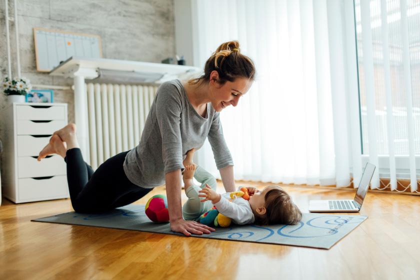 A baba kacag, az anya feltöltődik: 9 babával végezhető beltéri tornagyakorlat