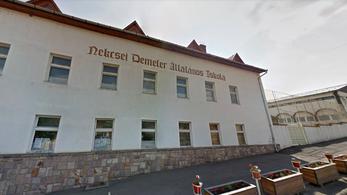 Hvg.hu: Leváltják a gyöngyöspatai iskola igazgatóját, aki egy 11 éves diákot bántalmazott