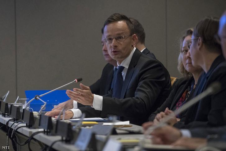 Szijjártó Péter az ENSZ-közgyűlés kísérőrendezvényeként tartott konferencián New Yorkban, az ENSZ székházában