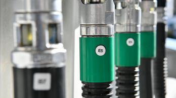 Időben tankoljon, szerdától 7 forinttal drágább lesz a benzin