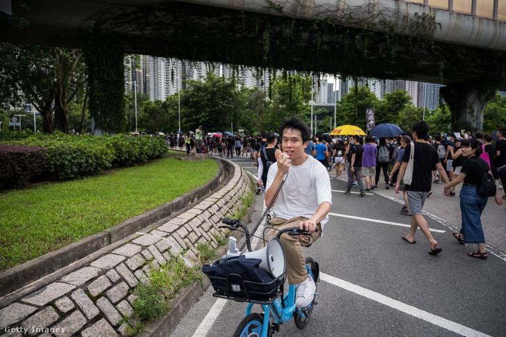 Roy Kwong Chun az egyik hongkongi tüntetésen 2019 augusztus 4-én
