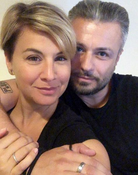 Ábel Anita és a nála hét évvel fiatalabb Roberto Favaro 2019 márciusában ismerkedtek meg, szerelmüket májusban vállalták fel.