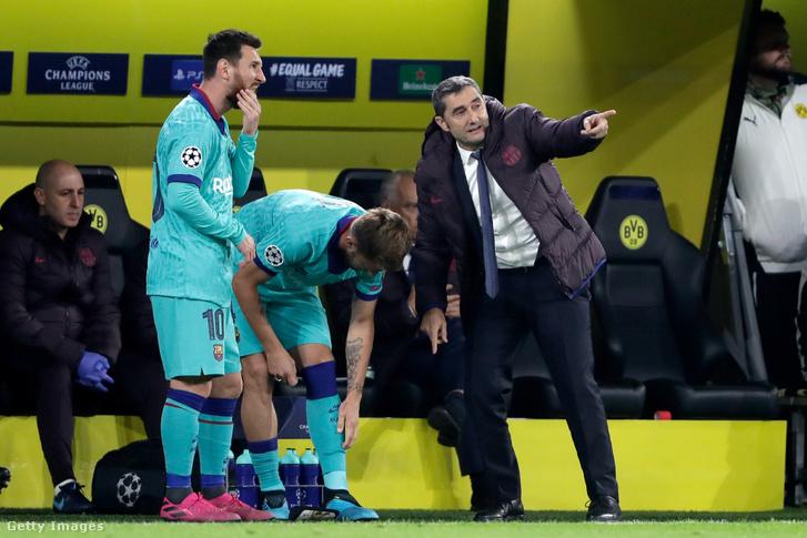 Ernesto Valverde edző az FC Barcelona és Borussia Dortmund mérkőzésen