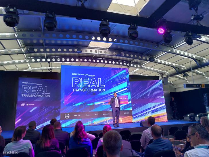 Rakoncza Zsolt, a Dell Magyarország vezérigazgatója a Dell Technologies Fórum megnyitóján.
