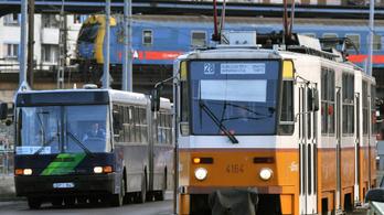 Centralizálhatja a kormány a teljes buszközlekedést