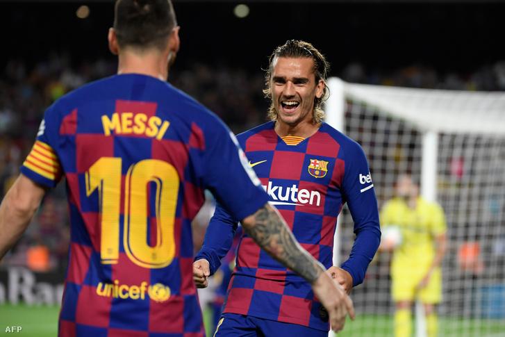 Messi és Griezmann örülnek a gól után