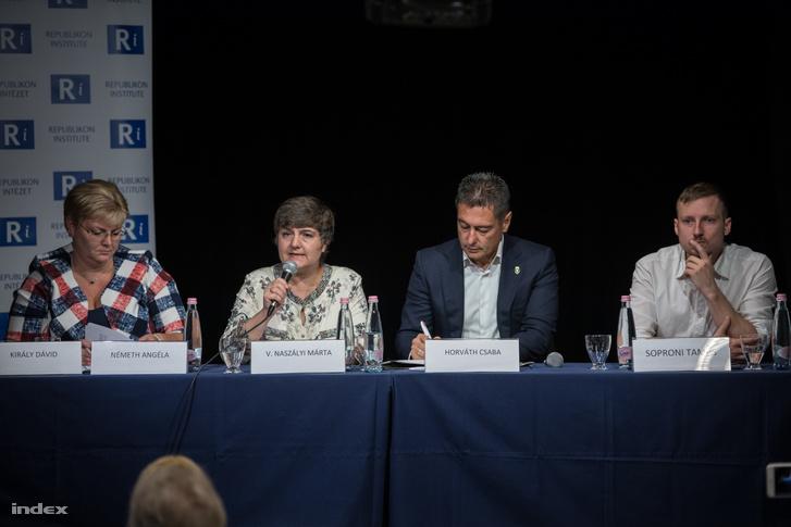 Németh Angéla, V. Naszály Márta, Horváth Csaba és Soproni Tamás az előadáson