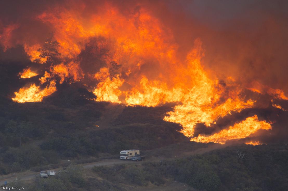 Részben a tartós szárazság miatt bekövetkezett erdőtűz Kaliforniában 2016 augusztusában