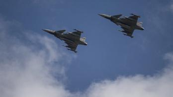 Riasztották a Gripeneket egy magyar légtérbe berepülő idegen gép miatt
